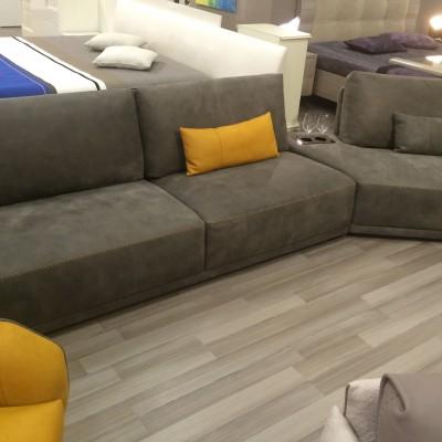 Мягкая итальянская мебель в гостиную