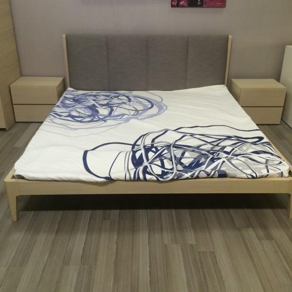итальянские кровати с прикроватными тумбами